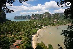Пляжи Railay, тропинка к лагуне и пещера Phra Nang с сотнями фаллосов
