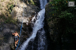 Прогулка к водопадам в безветренный день