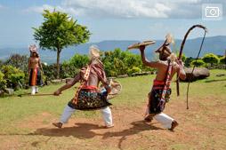Боракай — Бали трип, Случайная встреча с народом Манггараи