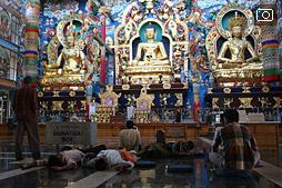 5000 монахов в Билакуппе