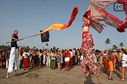 Ежегодный фрик-карнавал на арамбольском пляже